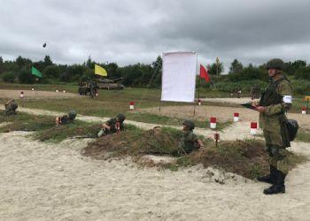Первокурсники ДВОКУ прошли «обкатку танками»