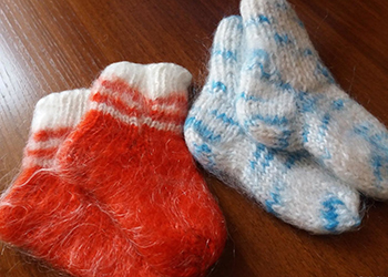 Теплые носочки для пострадавших от паводка вяжут амурские рукодельницы