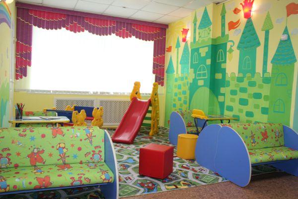 «Изумрудный город» оборудовали в детском отделении больницы Константиновки