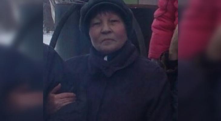 В Чувашии разыскивают женщину в красных галошах