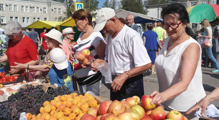 В городах Чувашии началась ярмарка «Дары осени – 2019»