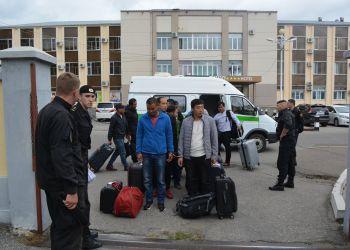 22 мигранта-нелегала отправили из Приамурья в Китай