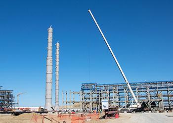 На Амурском ГПЗ установили 130-тонные колонны