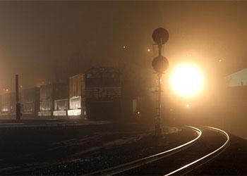 Возле станции Белогорье под грузовой поезд попал подросток