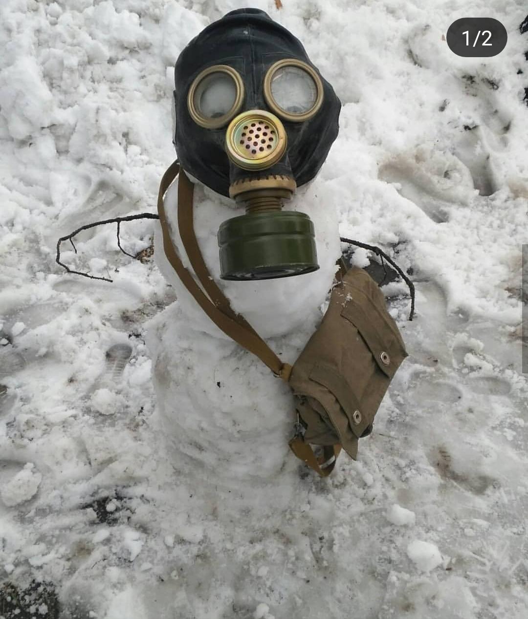 В Благовещенские появились снежный пожарный и парикмахер
