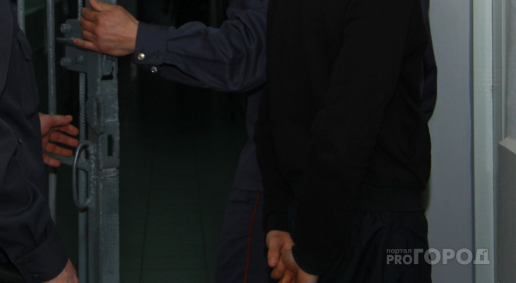 По пяти статьям осудили чебоксарца, от которого сбежала женщина с ребенком