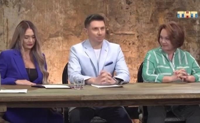 Чебоксарец пришел к Бузовой на шоу ТНТ и признался, что его сердце разбито