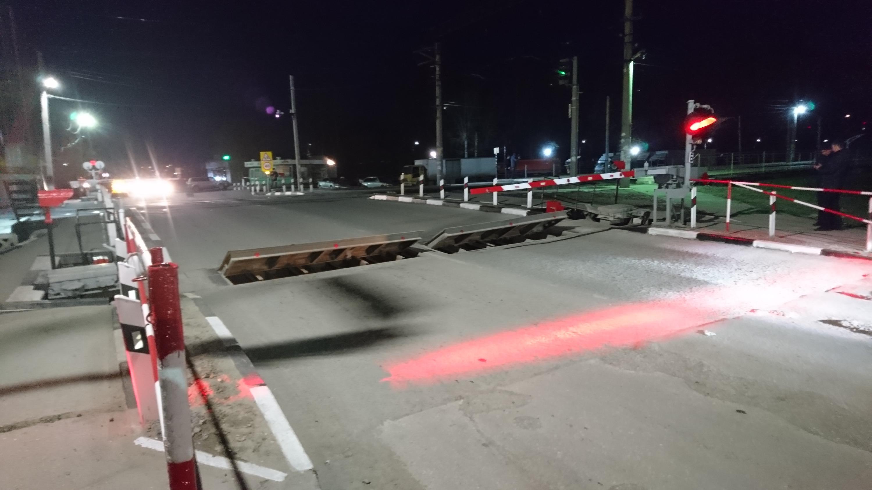 Три железнодорожных переезда в Приамурье оборудуют дополнительной подсветкой