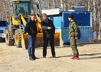 Мэр Шимановска осудил ранние обеды и частые перекуры рабочих