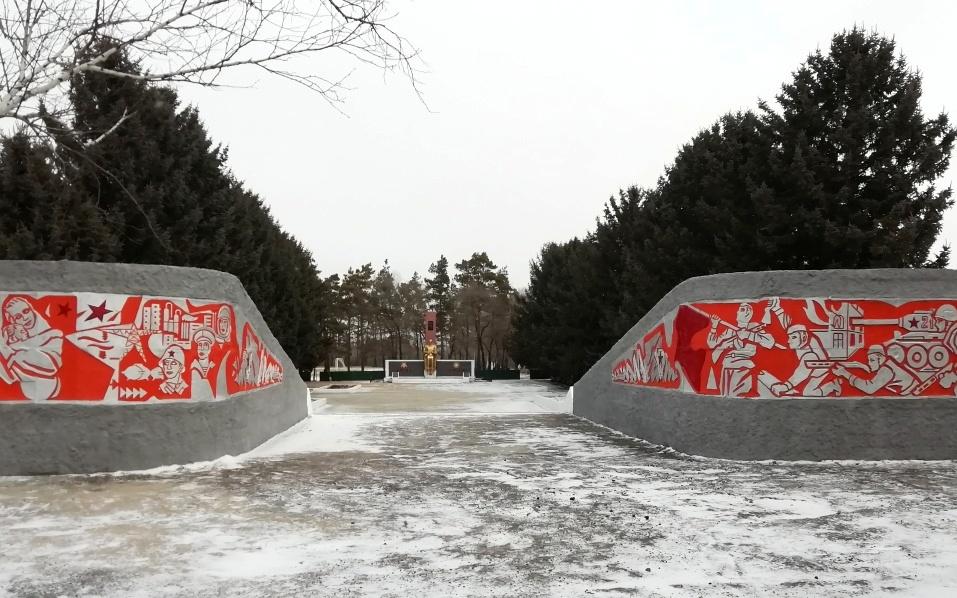 В Васильевке обновили памятник воинам-односельчанам