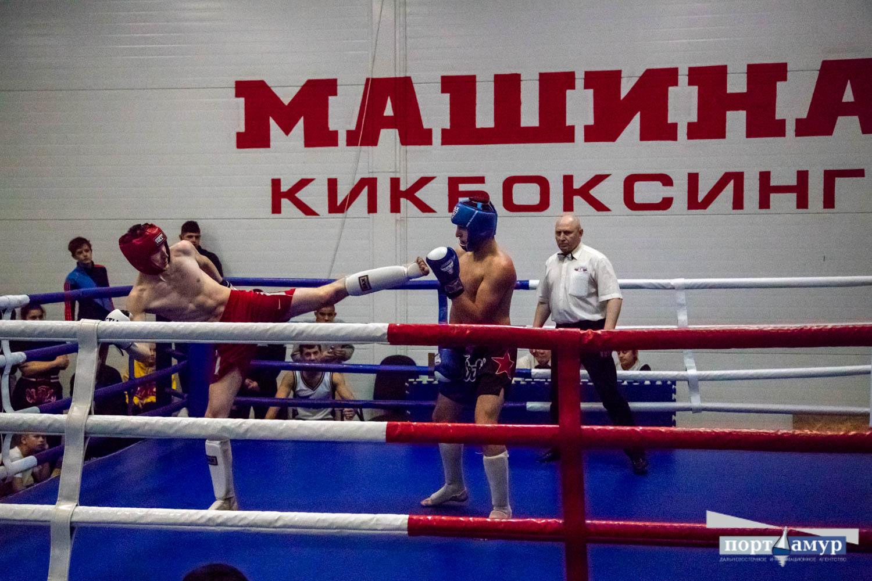 Победители турнира по кикбоксингу в Благовещенске потратят свой выигрыш на фаст-фуд