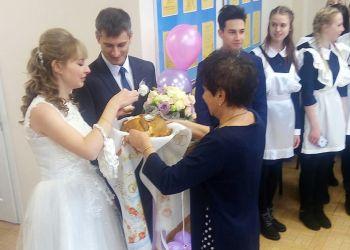 Обновленный Дворец бракосочетания открыли в Бурейском районе необычной свадьбой
