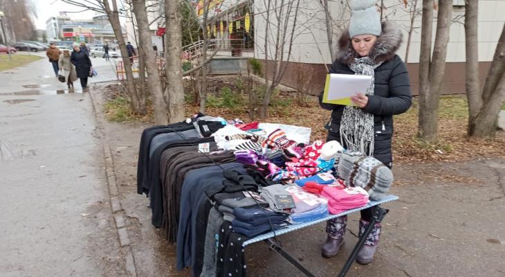 В Чебоксарах продолжают гонять продавцов колготок и носков