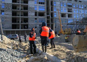 К строительству второй очереди Восточного привлекут больше техники