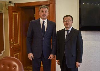 Вопросы туризма обсудили Василий Орлов и мэр Хэйхэ