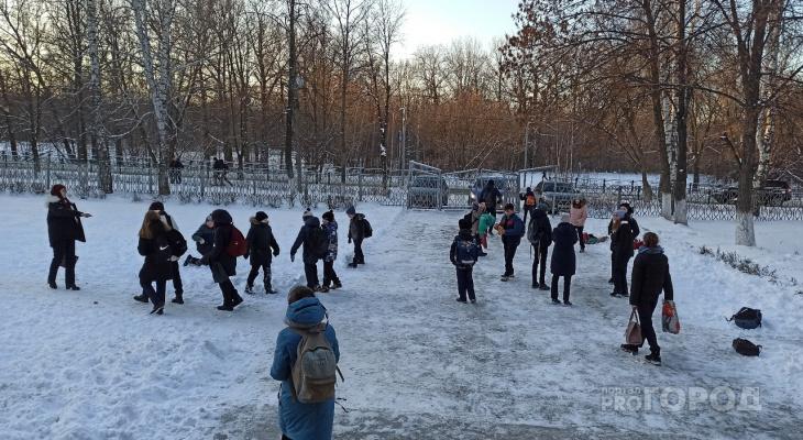 Директор 11-й школы Новочебоксарска: «Нам не хватило 4 человека для работы старших классов»