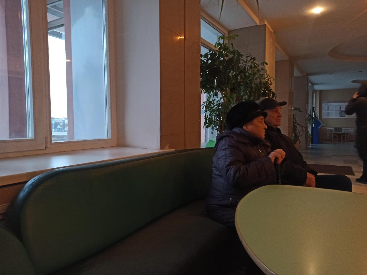 Вопросы ЖКХ и час в очереди: как новочебоксарские чиновники принимали горожан