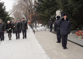 Амурские полицейские возложили цветы в память о погибших коллегах