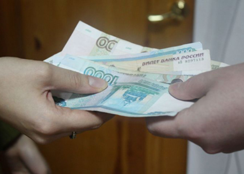 Противоречивая благовещенка попалась на уловки мошенника